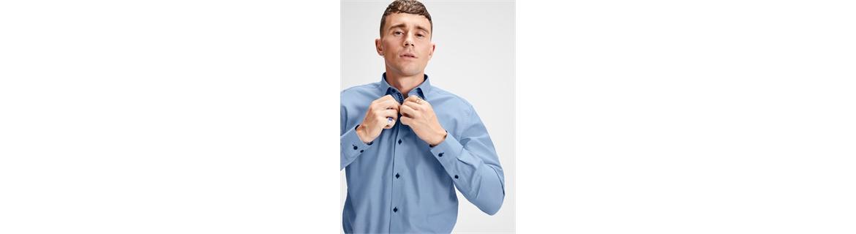 Qui trovi la nostra collezione di camicie da uomo. Qualunque sia il tuo stile abbiamo la camicia perfetta per te. Casual, elega
