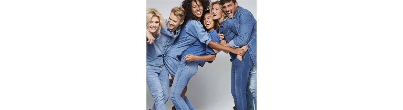 Indubbiamente siamo esperti nella  proposta dei Jeans!!!! Il DENIM è sempre stato una parte vitale del nostro nostro negozio e online puoi trovare una varietà di stili diversi che dureranno tutta la vita. La nostra collezione di denim copre jeans a vita