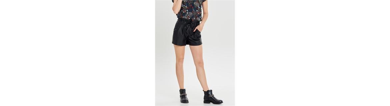 Pantaloncini corti per donne alla moda.