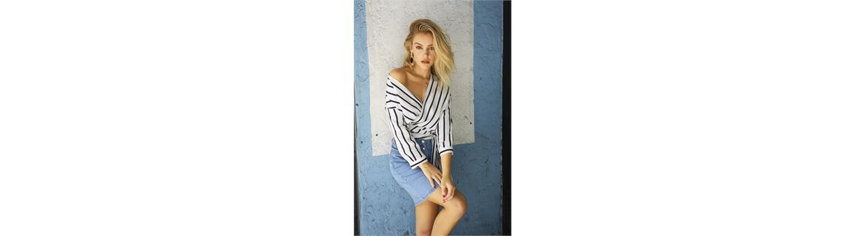 Camicia, di jeans, elegante, a body, o in tono neutro è il tuo articolo essenziale per un look classico e senza tempo. Di forte