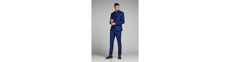 Benvenuto alla nostra collezione di abbigliamento formale da uomo. La nostra selezione include abbigliamento formale e da sera,